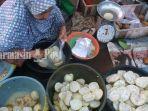 penjual-tarap-di-pasar-keramat-barabai-kabupaten-hst-kalsel.jpg