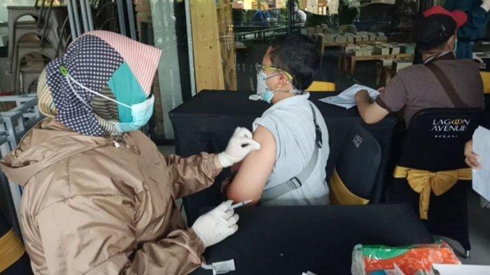 Pencapaian Vaksinasi Covid-19 di Kabupaten Bekasi Mencapai 50 Persen Lebih, Begini Penjelasan Dinkes