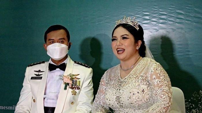 Ditanya Soal Karir Seusai Menikah dengan Perwira TNI, Joy Tobing: Kami Yakin Berkat Nggak Kemana