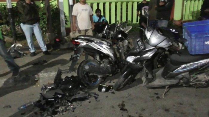 Senggolan, Dua Sepeda Motor Ringsek Terlibat Kecelakaan di Jalan Ir Juanda Bekasi
