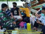 Vaksinasi-jemput-bola-nelayan-Muaragembong.jpg