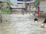 Warga-bantaran-Kali-Ulu-Kab-Bekasi-kebanjiran.jpg