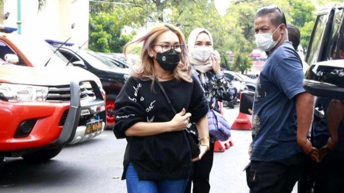 Abdul Rozak dan Umi Kalsum Dipolisikan, Pihak Ayu Ting Ting Merasa Laporan Terlalu Didramatisir