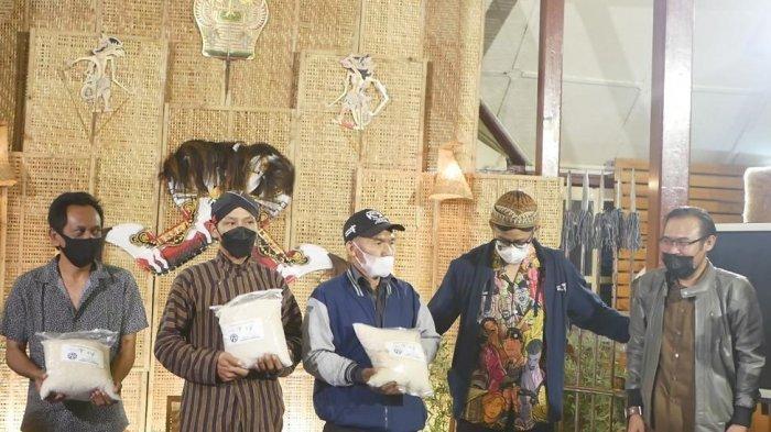 Sejahterakan Petani, Sandiaga Uno Sertakan Beras Sehat Dalam Travel Pattern Borobudur-Liyangan