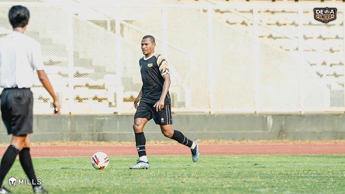 Target Lolos ke Liga 1, Dewa United FC Datangkan Mantan Rekan Boaz Solossa