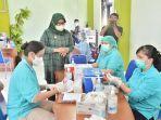 Bupati-Bogor-Ade-Yasin-meninjau-kegiatan-vaksinasi-Covid-19-di-Kecamatan-Cisarua.jpg