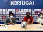 Pelatih-Bali-United-Stefano-Cugurra-Teco-saat-konferensi-pers.jpg