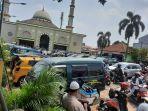 Suasana-Masjid-Besar-Riyadhus-Shalihin-usai-salat-Jumat-pada-3-September-2021.jpg