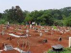 Suasana-di-pemakaman-khusus-jenazah-Covid-19-di-TPU-Pasir-Putih-Kecamatan-Sawangan.jpg