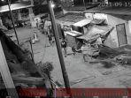geng-motor-menyerang-rumah-warga-di-Jalan-Kembung-RT-07-RW-04-Penjaringan-Jakarta-Utara.jpg