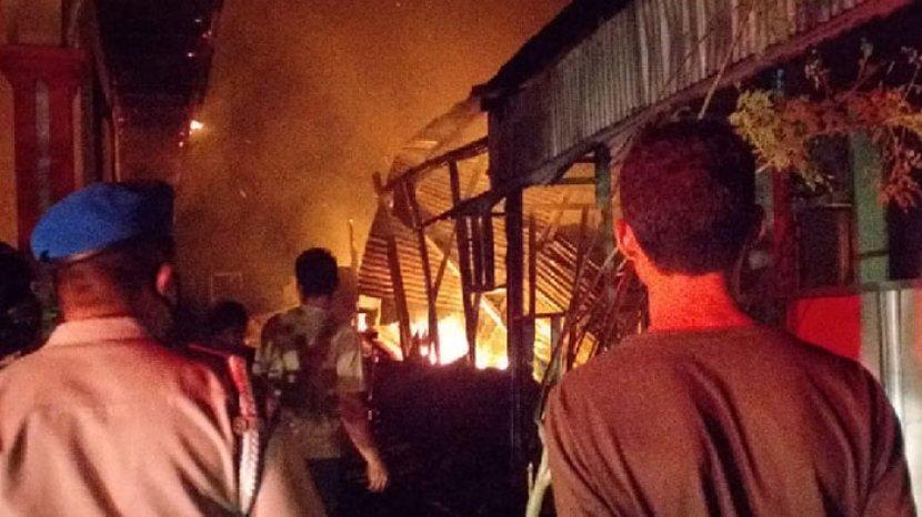 Kebakaran-di-Kecamatan-Komodo-Labuan-Bajo-Manggarai-Barat.jpg
