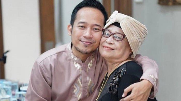 Dalam Kondisi Drop, Ibu Denny Cagur Buat Video Terakhir untuk Putranya : Saking Sayangnya sama Kami