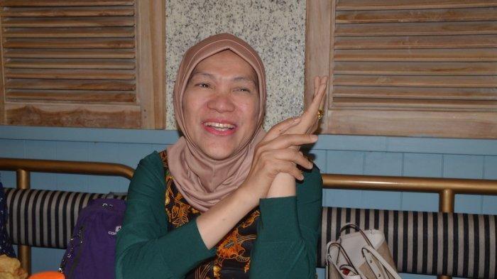 Dorce Gamalama Dirawat di ICU, Anak Angkat Kenang Detik-detik Kolaps : Dibangunkan Tak Respon