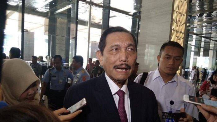 Laporkan Perkembangan PPKM Darurat Jawa Bali ke Jokowi, Luhut: 'Semua Masih Terkendali Pak Presiden'