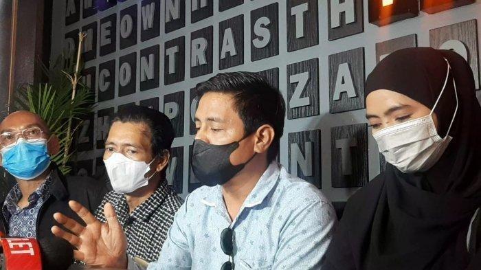 Surat Cerai Ayah Taqy Malik Dikirim Via Jasa Pengiriman Barang, Sunan Kalijaga: 'Meremehkan Sekali'
