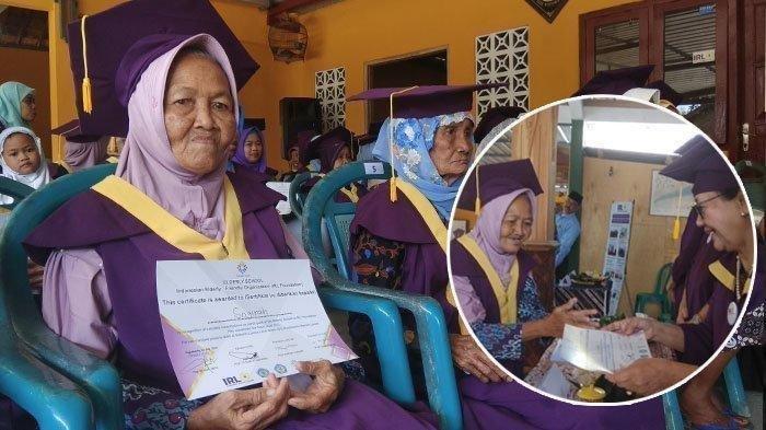Meski Masuk Kelas Hanya Sebulan Sekali, Nenek Sogirah yang Berusia 74 Tahun Akhirnya Diwisuda