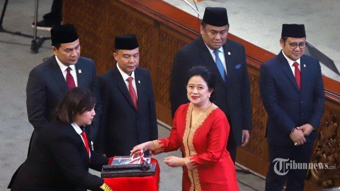 Baliho Puan Maharani Dicoreti 'Open BO', Anggota PDI: Pihak Eksternal Ingin Buat Persoalan di Intern