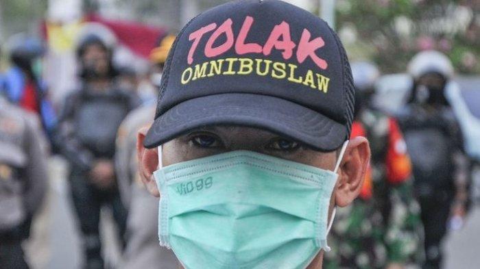POPULER Akhirnya Draf UU Cipta Kerja Terjawab, Sudah Dikirim ke Jokowi, Masyarakat Belum Bisa Akses