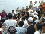 131-jemaah-haji-ditahan.jpg