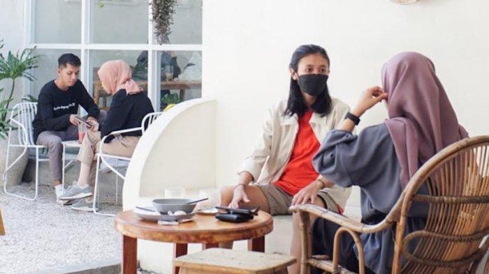 Nongkrong Instagramable Bernuansa Thailand Coffee Shop di Pico Kopi Kediri