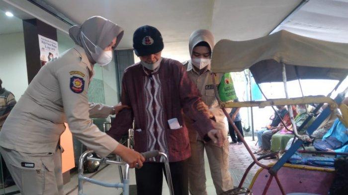 Kiprah Prawan Sembodro, Satpol PP Wanita Tangguh nan Cantik dari Trenggalek