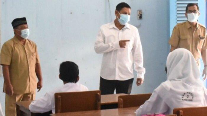 Wali Kota Kediri Sidak Uji Coba PTMT, Anak-anak Jangan Diajarkan Sorak-sorak di Kelas