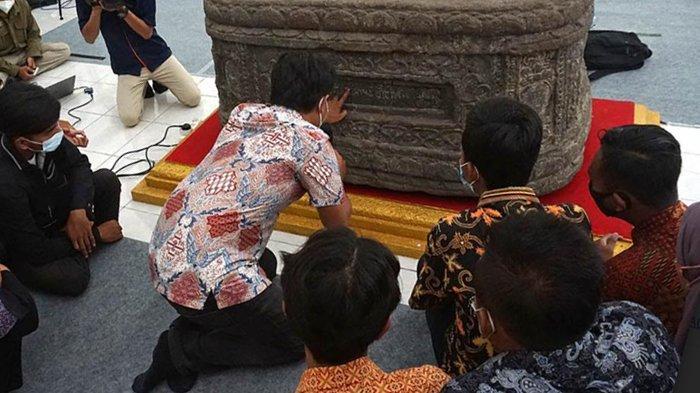Peserta Saka Pariwisata DiajariMembaca Aksara Jawa Kuno