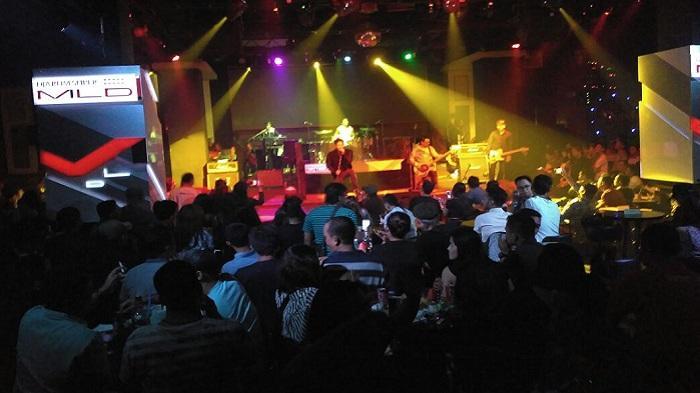 Repvblik Pun Ajak Penonton di Nashville Berselfie