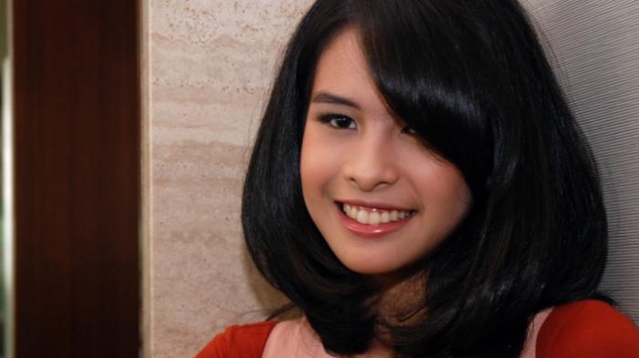 Pulang ke Indonesia, Maudy Ayunda Magang di Perusahaan