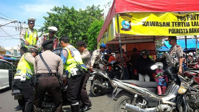21 Sepeda Motor Kena Tilang Saat Parkir di Ujung Murung