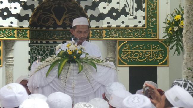 cucu-syech-muhammad-kasful-anwar-ustadz-h-munawar-kamali_20160725_154149.jpg
