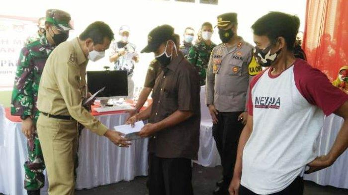 4.500 Pedagang Kecil Serbu Kodim Batang, Cairkan Bantuan Modal Masing-masing Rp1,2 Juta