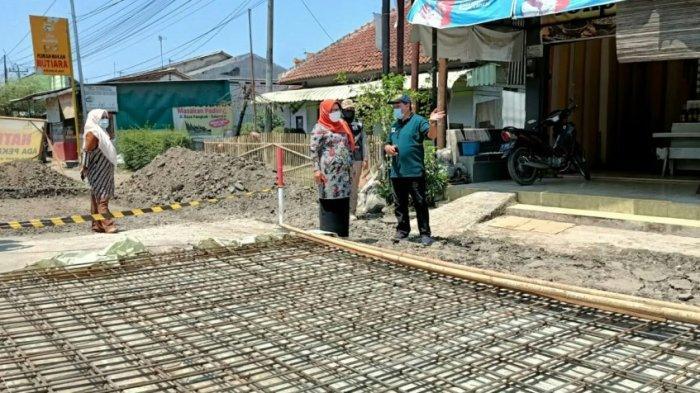 Cek Perbaikan Jalan Bogares-Pangkah, Bupati Tegal: Rusaknya Cukup Parah, Doakan Cepat Selesai