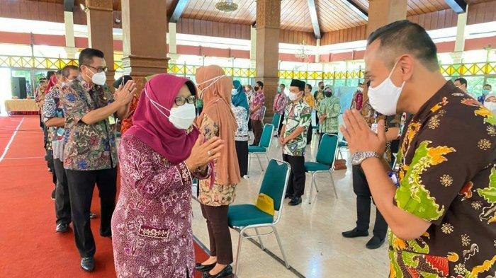 Bupati Tegal Umi Azizah Perintahkan Pejabat yang Baru Dilantik Segera Rancang Inovasi