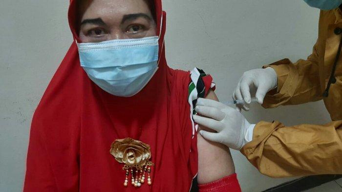 67 Calon Jamaah Haji asal Slawi Disuntik Vaksin Covid-19, Mabruri: Semoga 2021 Ini Bisa Berangkat