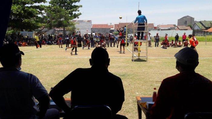 Saksikan Turnamen Voli U-17, Wali Kota Dedy Yon Minta PBVSI Tegal Cari Atlet Muda Berbakat