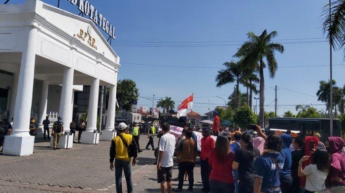 Paguyuban PKL Sepakat Direlokasi, Mengapa Masih Ada Demonstrasi Tolak Proyek City Walk Tegal?