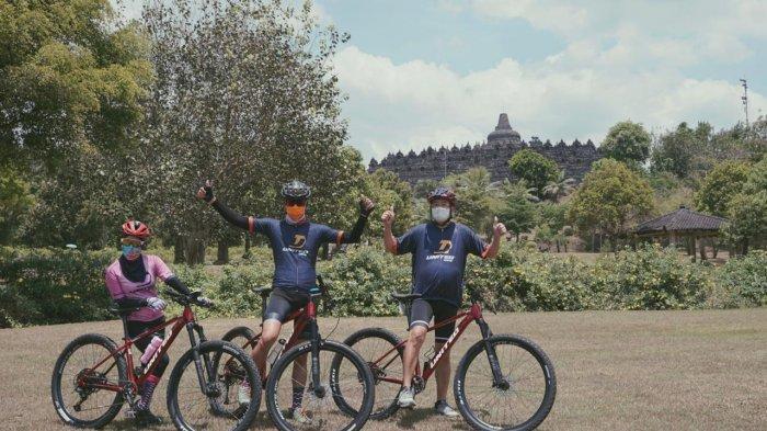 Ganjar Gunakan Sepeda Seri Khusus Borobudur Saat Ramaikan Tour de Borobudur 2020