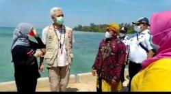 Ganjar Janji Akan Bantu Ambulans Laut untuk Bidan Desa Parang Karimunjawa