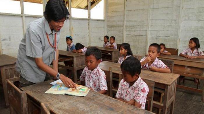 Komisi X DPR ke Mendikbud: Masalah Guru Honorer Harus Clear, Tak Harus Dijadikan PNS