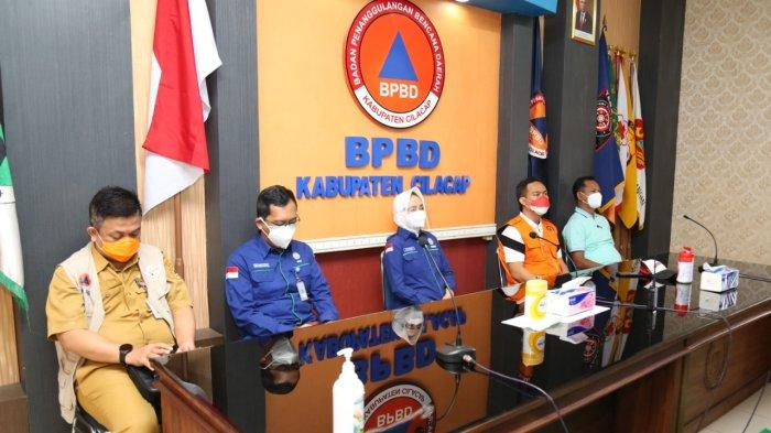 BMKG Launching EWS Radio Broadcaster dan Aplikasi Sirine Tsunami SIRITA di Cilacap