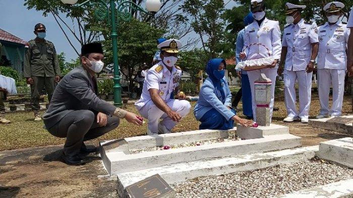 Jelang HUT TNI, Panglima Koarmada II Ziarah ke TMP Prawira Reksa Negara Pekalongan