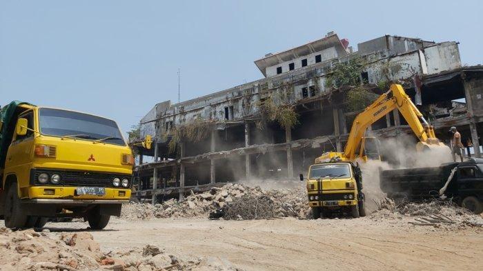 3 Tahun Mangkrak, Eks Bangunan Pasar Banjarsari Pekalongan Dibongkar, Deddy: Sudah 40 Persen