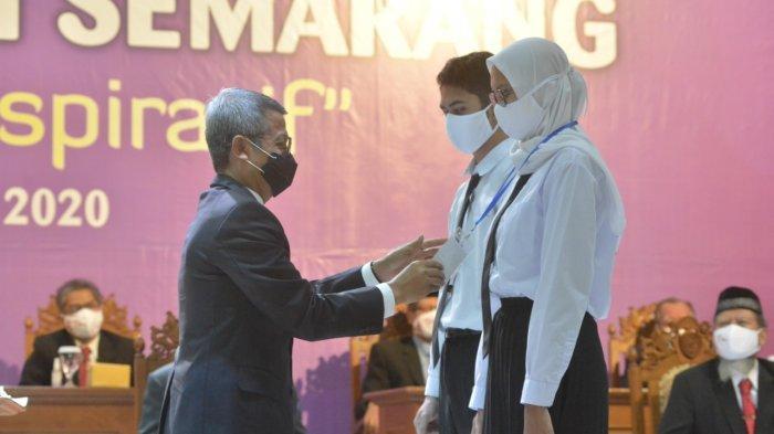Dr Muhdi: Mahasiswa saat Ini Harus Mengedepankan Karakter dan Soft Skill