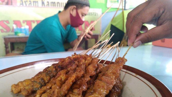 Nikmati Gurihnya Sate Ayam Blora, Disajikan Tanpa Batasan Porsi, Ingat Jangan Buang Tusuknya