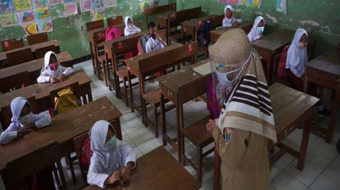 Ani Bingung dengan Kebijakan Pemerintah: Wisata dan Belanja Boleh, tapi Sekolah Belum Dibuka