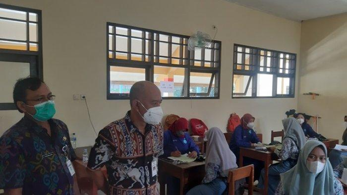 Bupati Jepara Cek Vaksinasi Covid-19 di SMAN 1 Mlonggo, Kebut Herd Immunity untuk Pelajar