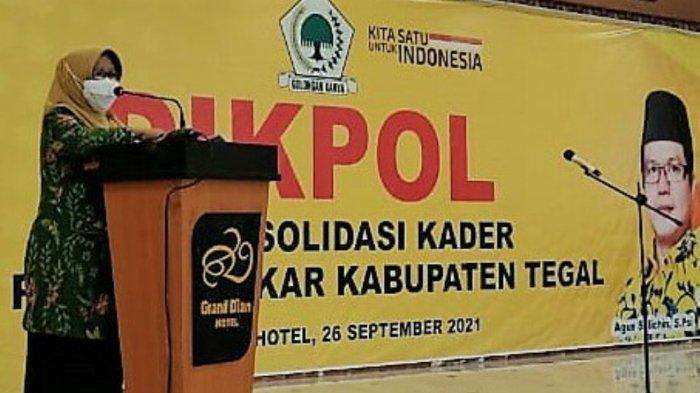 Hadiri Pelantikan Pengurus AMPG dan KPPG Tegal, Bupati Umi: Pemuda Tentukan Masa Depan Bangsa