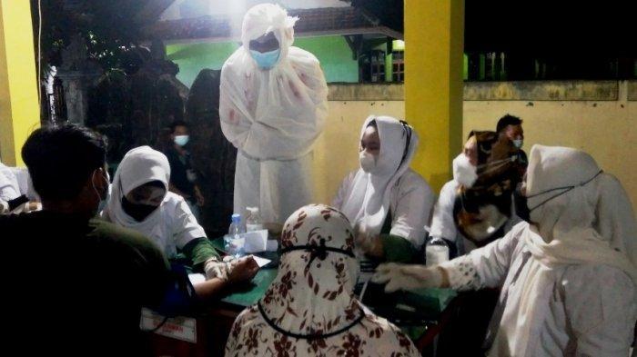 Pocong dan Kuntilanak Ikut Pantau Vaksinasi Malam di Kendal, Nur: yang Datang Malah Tambah Ramai
