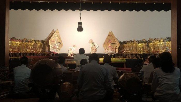 Pentas Wayang Kulit Umbul Donga 100 Hari Wafatnya Ki Manteb Soedharsono, 3 Dalang Main Bergantian